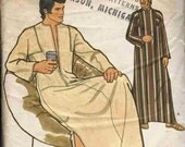 """Pattern Vogue 8669 Loose floor length caftan open neck with/out collar long set in sleeves Vogue for Men Size Large 42-44"""" (uncut)"""