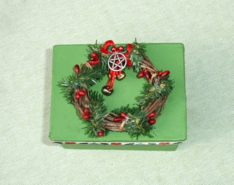 Small Green Yule Ritual box - Pentagram - Wicca
