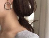 Delicate large circle earrings - vintage earrings - chunky circle ear stud