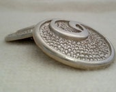 4 silver tone buttons, vintage  - Pebbled style 18mm, 23mm or 28mm for blazer, jewelry or crafts