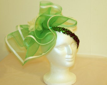 Green and white headpiece