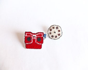 Viewmaster Cross Stitch Collar Pin, one of a kind, gifts under 50, gifts for toy collectors