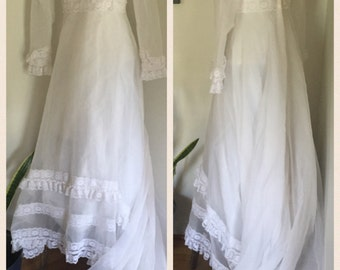 Vintage 70's Prairie Gunne Sax Style White Lace Wedding Dress with Train and Bustle Medium