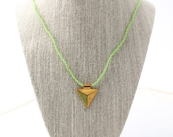 arrowhead charm necklace - mint green, mint beaded necklace, beaded charm necklace, arrowhead charm necklace, gold arrowhead necklace, arrow