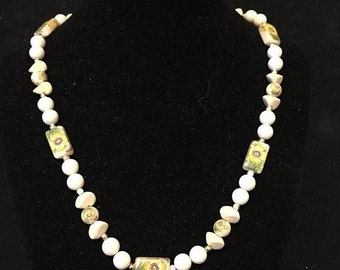 Vintage white with yellow flower bead necklace
