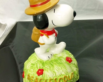"RARE! Vintage Peanuts Willitts SNOOPY BEAGLESCOUT Music Box Musical Figurine Plays ""Climb Every Mountain"" Boy scout"