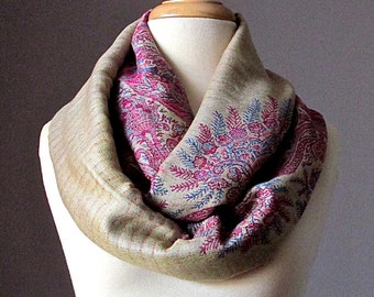 Beige scarf, infinity scarf, pashmina, chunky scarf, fall scarf, winter scarf, Pink paisley scarf