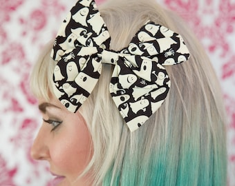 Large Halloween Glow in the Dark Ghost Bow