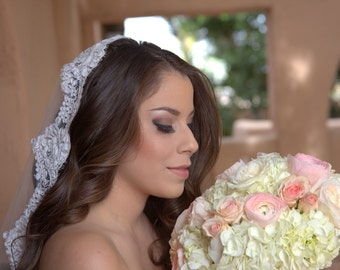 Mantilla Veil with Allencon Lace
