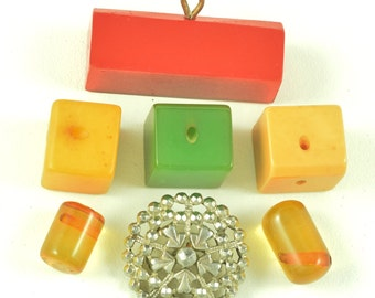 Lot of Art Deco Antique Buttons Bakelite Cut Steel Red Green Yellow Applejuice Geometric Victorian ~ Lot 531