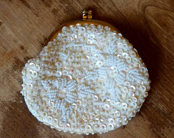 VTG White Beaded Small Pouch // Iridescent Ivory Sequin Art Deco Vintage Coin Purse