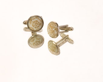 Engraved Cuff Link Set 2: Ecru Glass with Gold Gilt Set in Silver