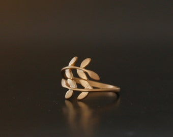 Leaf Ring. Leave Ring. adjustable ring. choose your color rose gold, gold and silver. no49