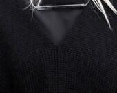 Collier minimaliste. Bijoux minimaliste. Collier en semi transparent. Collier de déclaration. Collier fait à la main. Collier de concept. Collier blanc.
