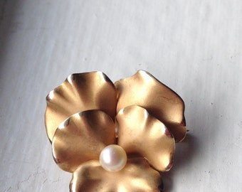 Antique Art Nouveau 14k Gold Pansy Pin Brooch, Cultured Pearl;  Bloomed Finished Flower, Brushed Repousse Dogwood Floral Blossom Brooch Pin