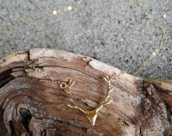Tiny Antler necklace, Dainty, Antler, Gold Necklace