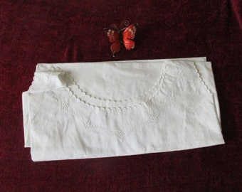 Pretty Vintage French, Nightdress / Nightgown in White Cotton, Round Neck, Sleeveless, Beautiful Scalloping and Monogram L.D.