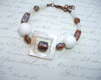 White and amber brown bracelet
