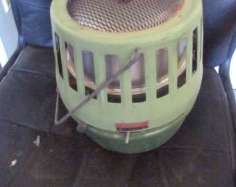 Vintage Coleman Avocado Green Super Catalytic Heater 513A708 with Box - 3000 to 5000 BTU - AS Is / Untested - Outdoors Camping Hiking