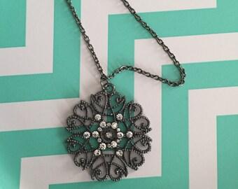 flower necklace, flower, silver flower, silver flower necklace, flower jewelry, round necklace, silver necklace, necklace