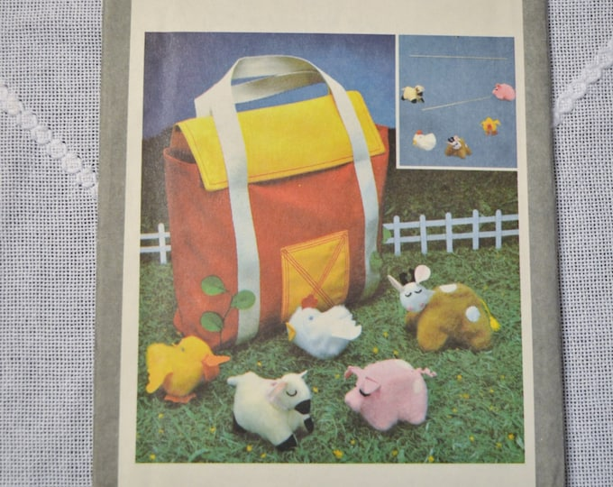 Simplicity Pattern 9018 Toy Farm Scene Animals Carry Case Sewing Supplies PanchosPorch