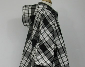 Poncho in Black and White Tartan