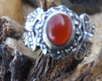 Vintage Carnelian and Sterling Silver..... size 5only