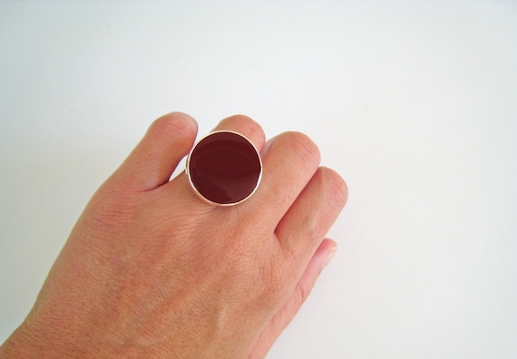 Dark Red ring, red resin ring, round ring, marsala garnet burgundy maroon solitaire ring, modern minimalist red glass ring, big chunky ring