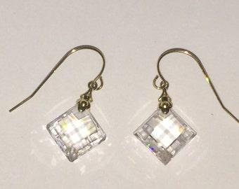BEAUTIFUL 14K Yellow Gold Crystal Drop Dangle Earrings STUNNING LOOK!