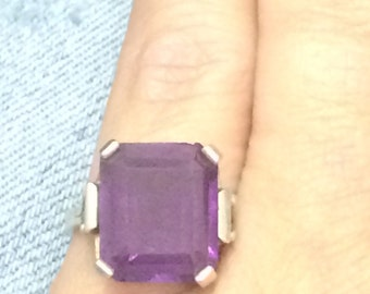 VINTAGE Sterling Silver 925 Purple Stone Solitaire Ring Size 5 PRETTY!