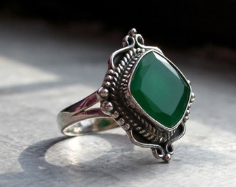 Deep Green Onyx Ring. Ethnic Ornate Filigree & Scrolled Detailed Sterling Silver 925 Setting. Ethnic Belly Dancer. Gothic. Vintage Boho Chic