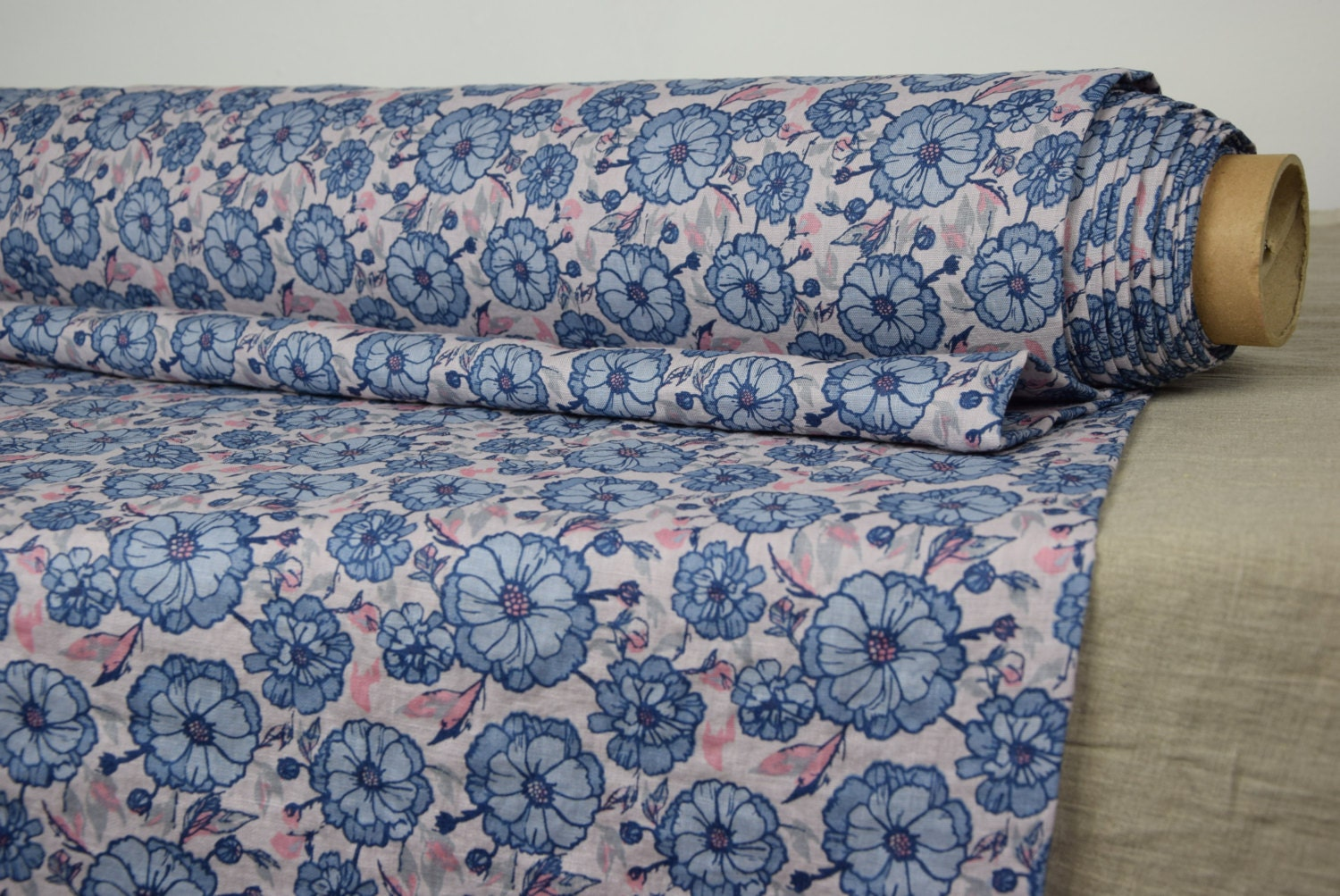 Thin Pure 100 Linen Fabric 135gsm Blue Gray Flowers On