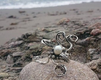 Sterling Silver Octopus 'Kraken Ring'  Steampunk ring with large pearl