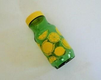Vintage 1950s Lemon Juice Jar, Juice Jar, Lemonade, Vintage Kitchen, Green and Yellow,Anchor Hocking, Vintage Lemon Juice Green Jar,Decanter