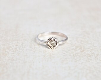 Sunflower Sterling Silver Ring.  Stacking rings.  Everyday wear ring.  Flower Ring, sun flower.