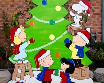 peanuts christmas yard art, snoopy christmas yard art, peanuts yard art, charlie brown yard art, christmas yard art