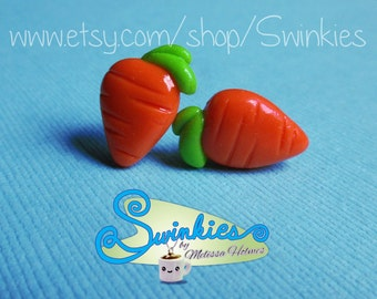 Carrot stud earrings