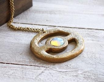 Collier opale, collier en bois, pierres précieuses brutes en lithothérapie collier, bijoux quartz rose, Pierre de naissance, bijoux de bobo, tribal, pokeball