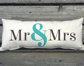 Mr and Mrs Pillow, Wedding Pillow, Wedding Gift, Ampersand, Bride and Groom Gift, Husband and Wife Gift, Canvas Pillow SPS-021 Cream Canvas