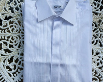 Vintage dress shirt 16 in 41cm collar. White fancy front and double cuffs.