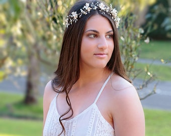 Bridal headpiece Angeline, Bridal hair vine, Wedding Accessories, Wedding headpiece, Pearl and flower Headpiece