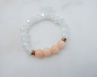 Peach Jade and Faceted Stretch Bracelet / Jade Bracelet / Stretch Bracelet / Stacking Bracelet
