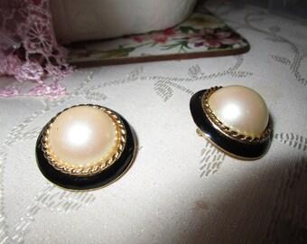 "vintage Richelleu goldtone clipon earrings round faux pearl centre black enamel beautifully made 1.25""across"