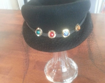 Vintage 1940's - 1950's Womens 100% Wool Hat With Veil / Faux Jewels