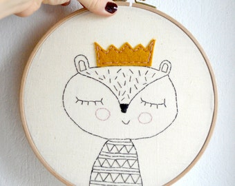 Embroidered wall hanging / hoop art/ wall art/ wall hanging/Queen Squirrel/ 8 inches/ Ready to ship / OOAK