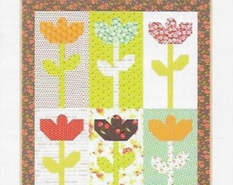 Daisies Mini Quilt Pattern, Fig Tree Quilt Pattern, Mini Quilt Pattern, Flower Mini Quilt, Daisy Mini Quilt Pattern, FTQ 1025
