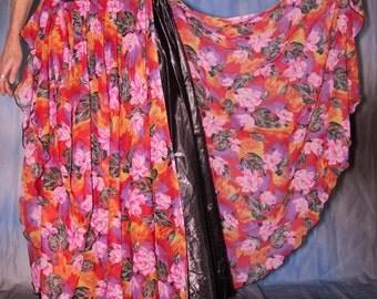 Circle Skirt in sheer flowery fabric