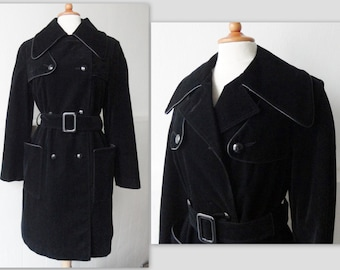 Cool 70s Vintage Trenchcoat // Black Duvetine