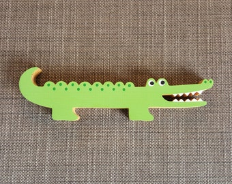 Wooden Animals - Alligator / Crocodile (looking right)