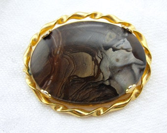 Vintage Picture Jasper Oval Pin Brooch Gold-Plated Elephant or Dolphin